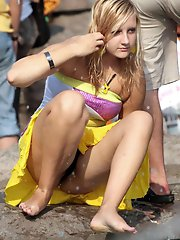 8 pictures - upskirt sport voyeur picture gallery